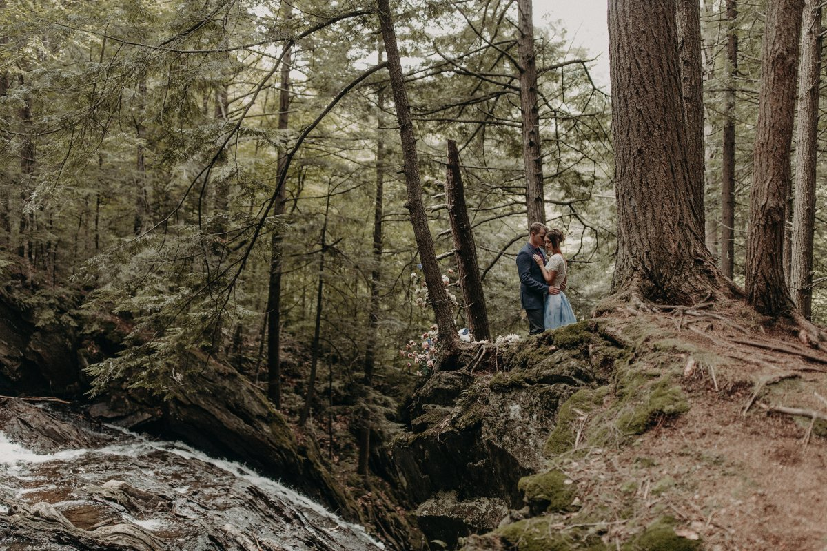 An Elopement Set in The Wilds of Vermont