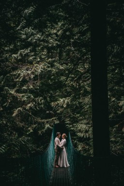 Avery_Hahn_TulleampTweedPhotography_MiraandPearceMysticBeachElopement108_big