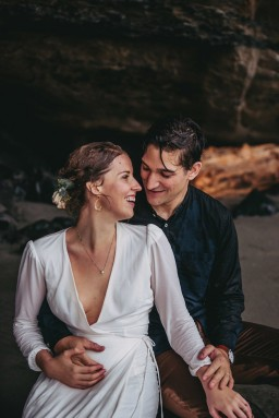 Avery_Hahn_TulleampTweedPhotography_MiraandPearceMysticBeachElopement218_big