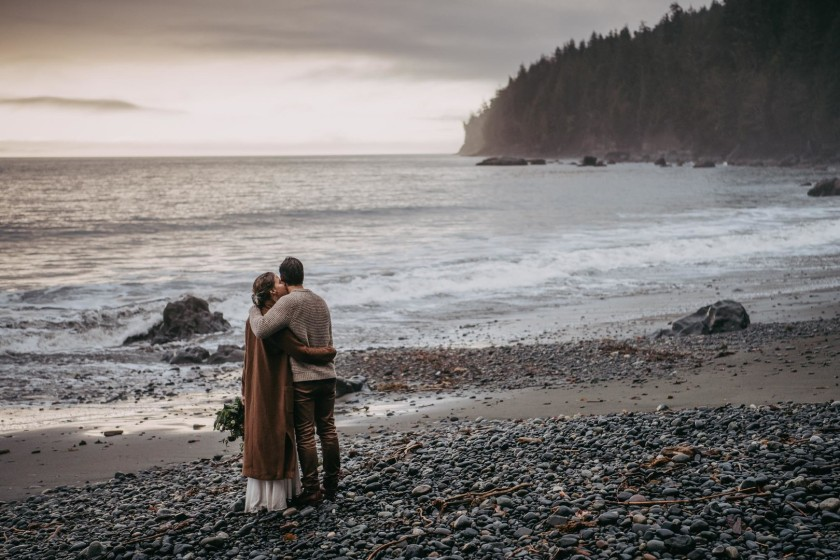 Avery_Hahn_TulleampTweedPhotography_MiraandPearceMysticBeachElopement243_big